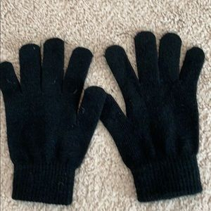 One size black stretchy gloves. Not worn.